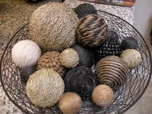 111012_diy-deco-balls-1_1909468529