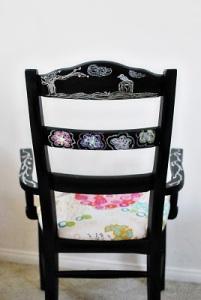 chalkboard-chairs