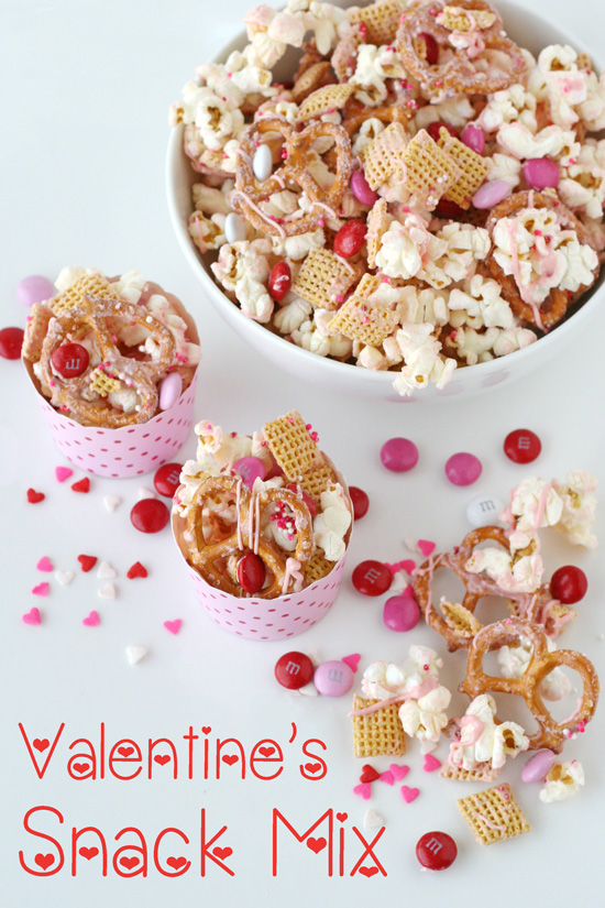 Easy_Valentines_Snack_Mix